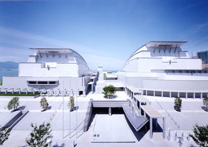 滋賀県立芸術劇場びわ湖ホール竣工