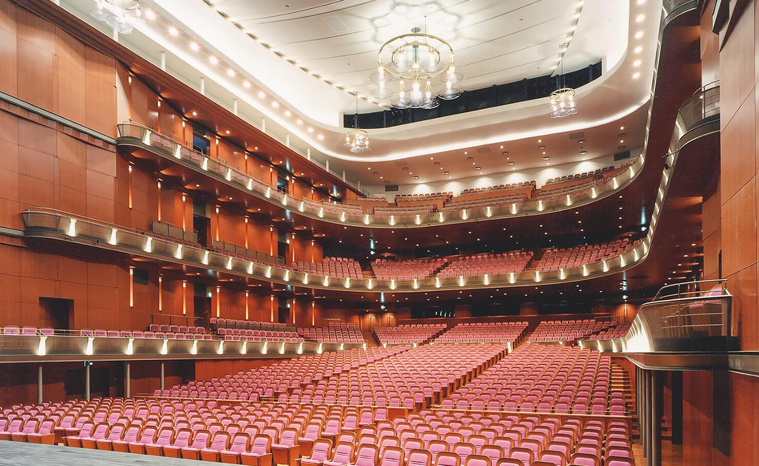 国内「音楽家が選ぶ優良ホール100選」の一つに数えられる