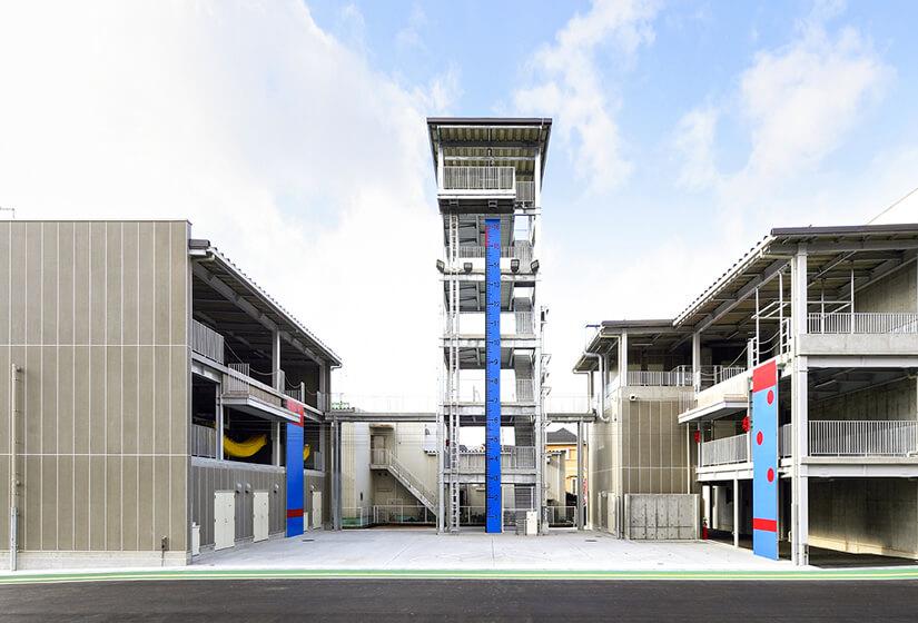 6階建の訓練塔を備えたセンター